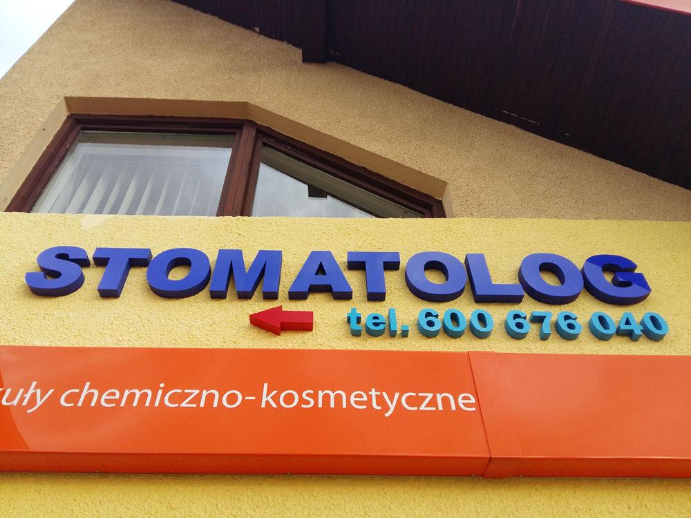 stomatolog litery przestrzenne