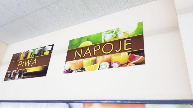 tablice informacyjne w sklepie