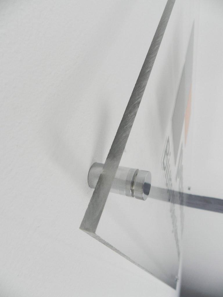 bezbarwna plexa