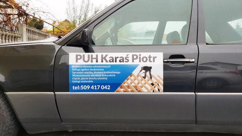 magnetyczna reklama na samochód