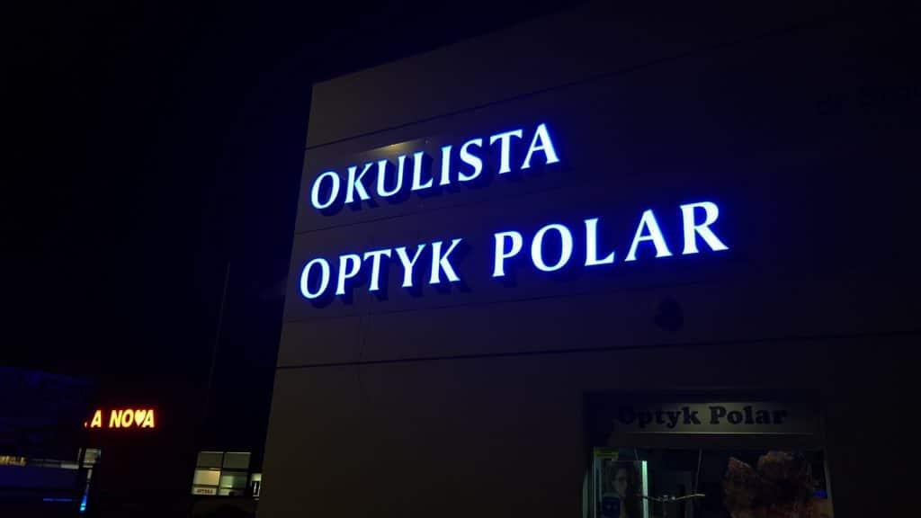podświetlane napisy na budynek