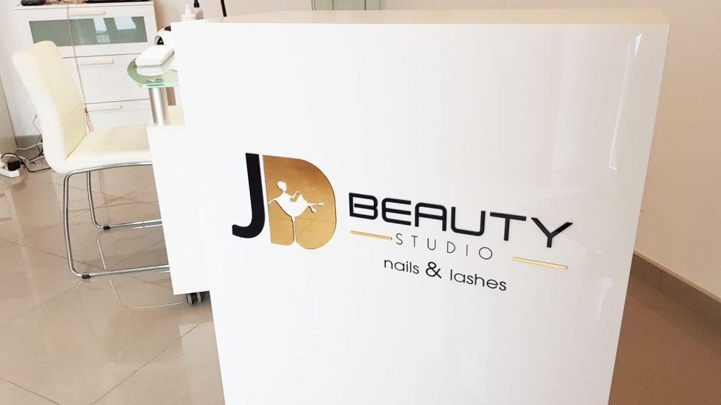 logo 3d nails