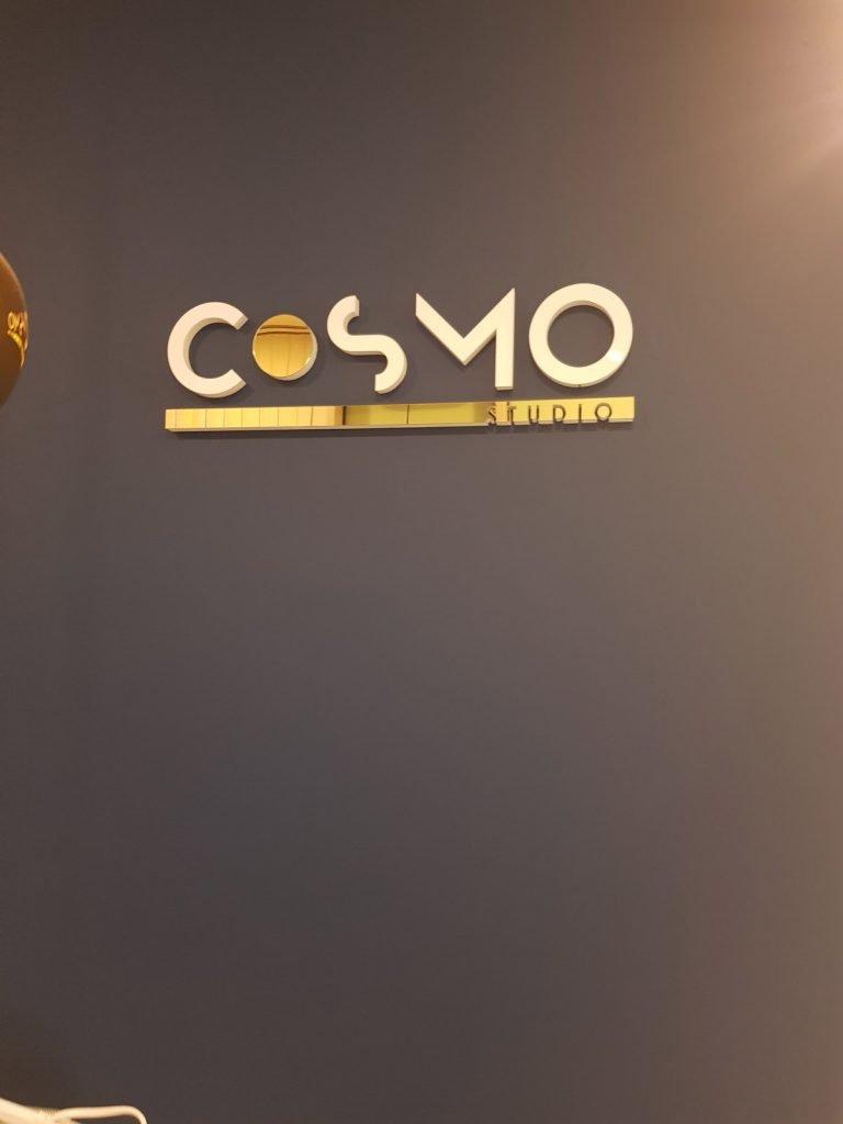 logo 3d w złotym kolorze