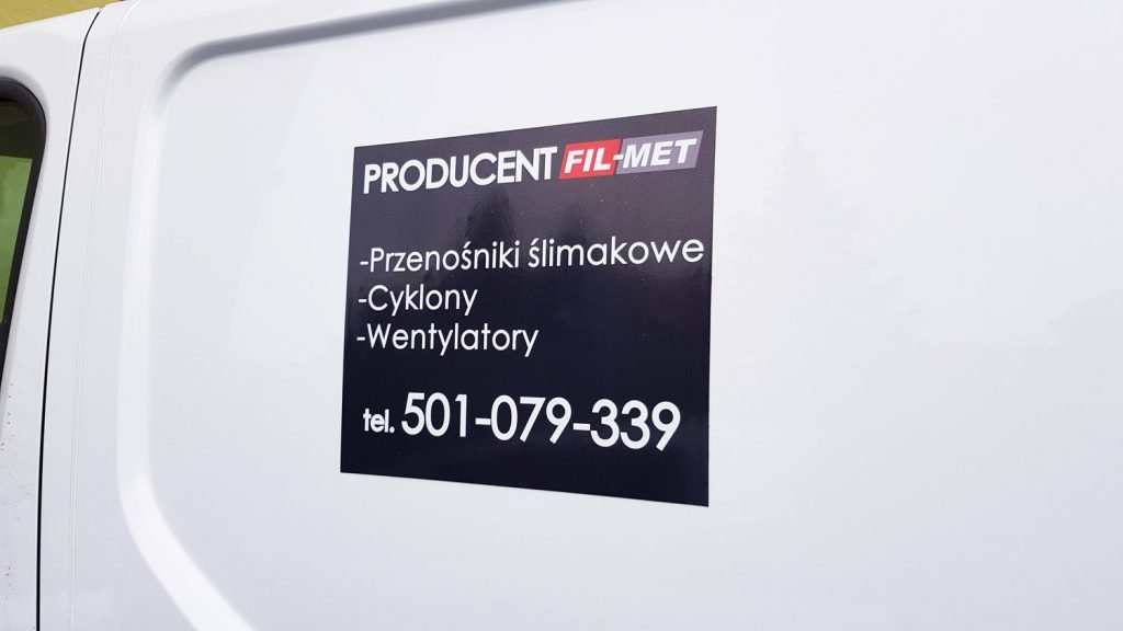 magnesy reklamowe na samochód