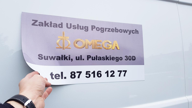 reklama na samochód dla firmy omega