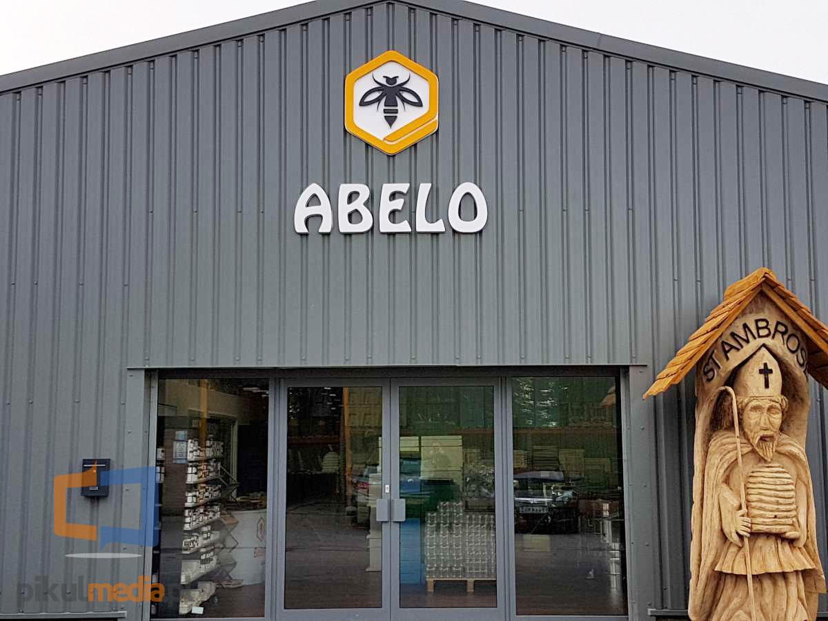 logo na budynek