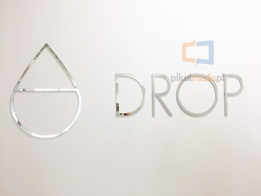 srebrne logo 3d naścianę