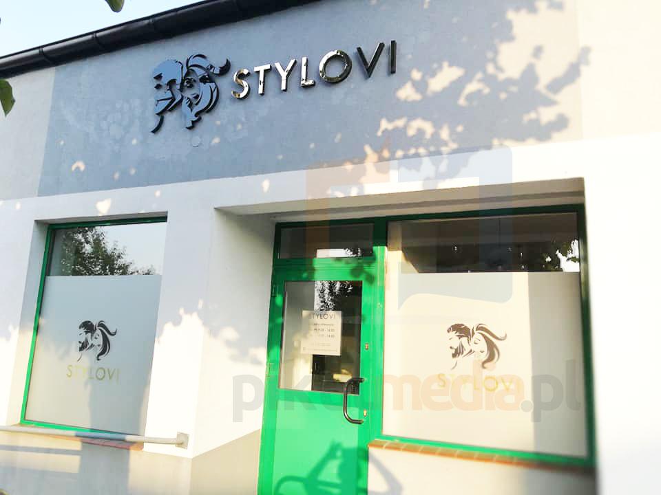 zewnętrzne logo 3d na ścianę budynku