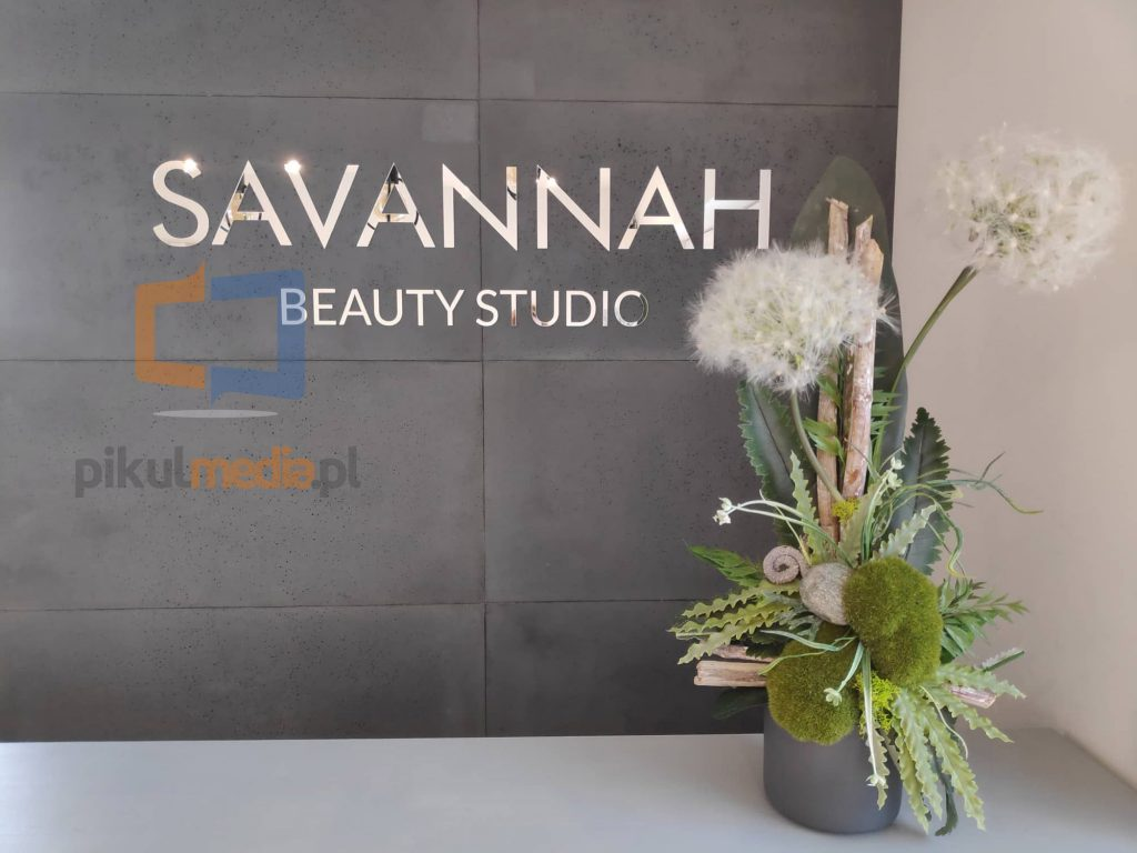 logo na ścianę beauty studio