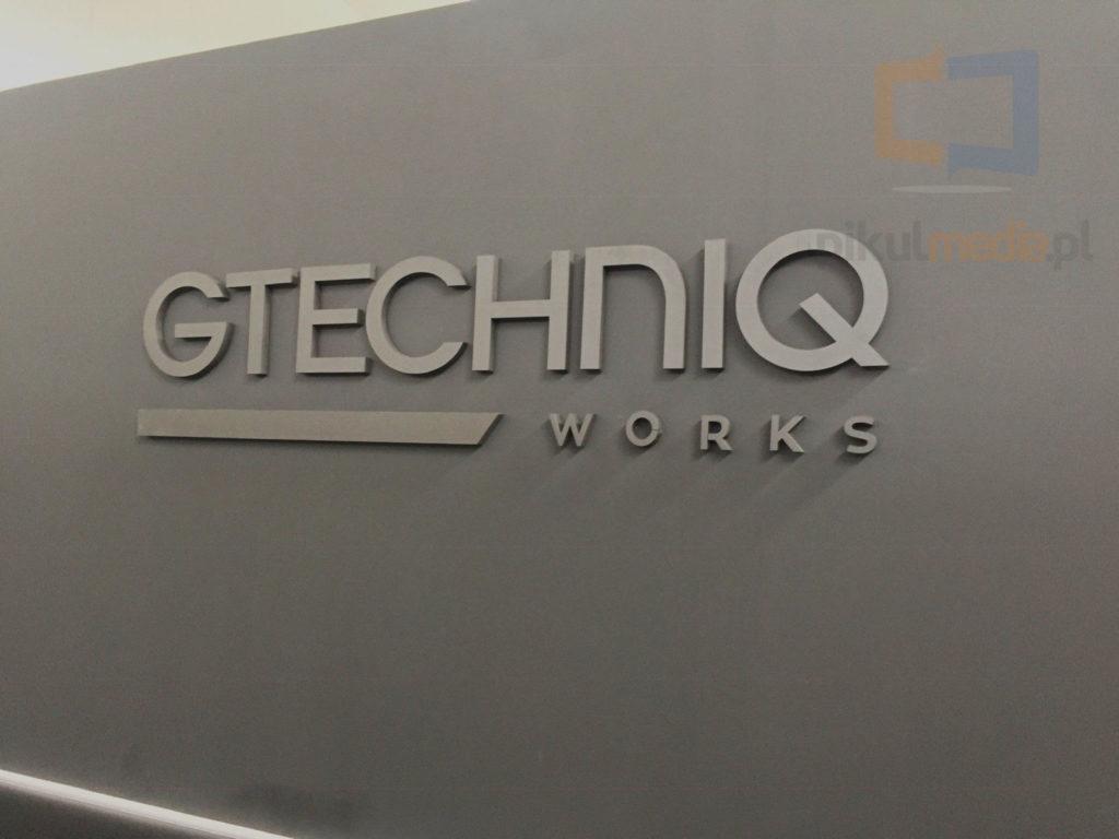 3d logo detailing
