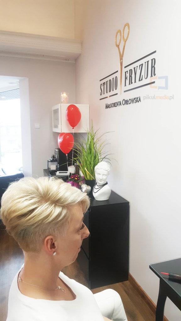 salon fryzjerski reklama